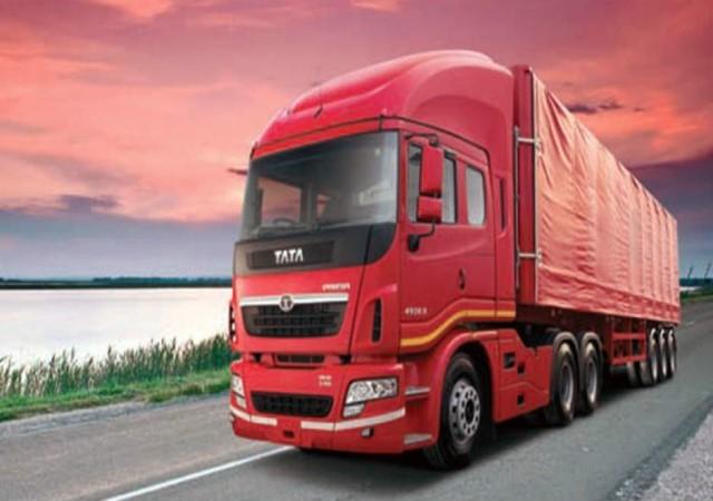 tata motors reports huge loss