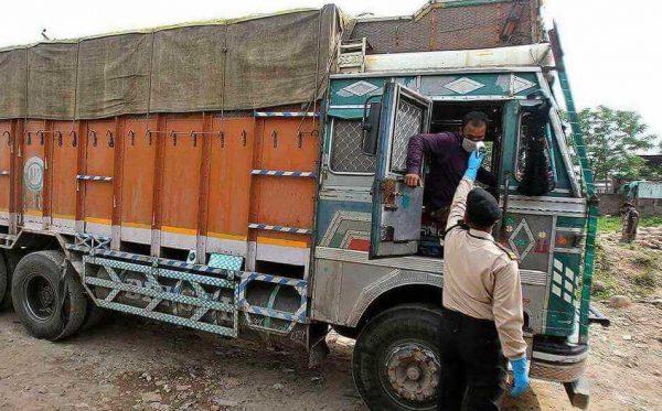 truck-driver-india-corona