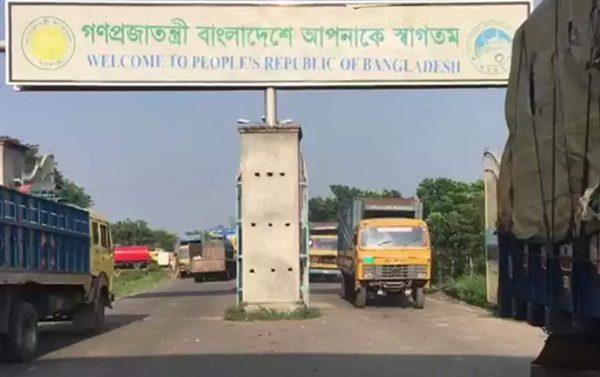 truck-india-bangladesh-border